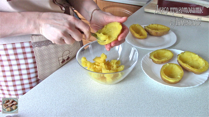 Картофель под соусом в духовке Еда, Кулинария, Рецепт, Видео рецепт, Youtube, Видео, Картофель, Запеченный картофель, Длиннопост