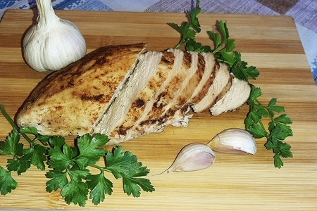Фото к рецепту: Куриное филе в горчично-чесночном маринаде