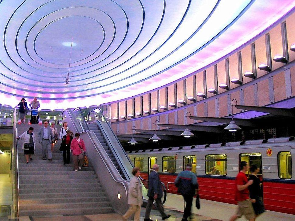 MetroStations56 17 самых волшебных станций метро со всего мира