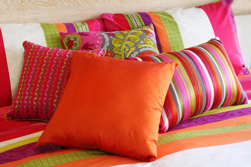 Как стирать подушки?