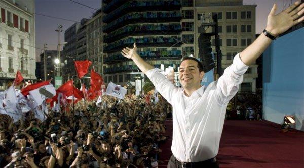 Греция снимает флаги ЕС с административных зданий и готовится заявить о выходе из НАТО