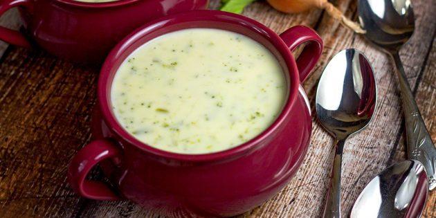 Рецепты: Крем-суп с брокколи и голубым сыром