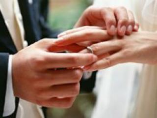 Врачи рассказали о настоящем вреде поздних браков