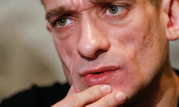 Павленский объяснил поджог Банка Франции желанием «раздуть мировой пожар революции»