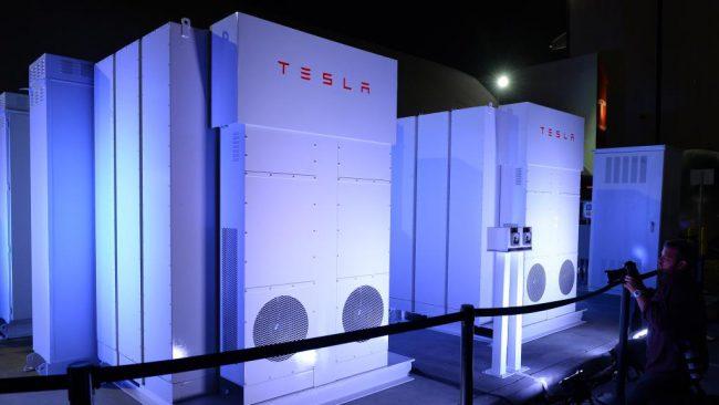 Из-за батарей Tesla треть эл…