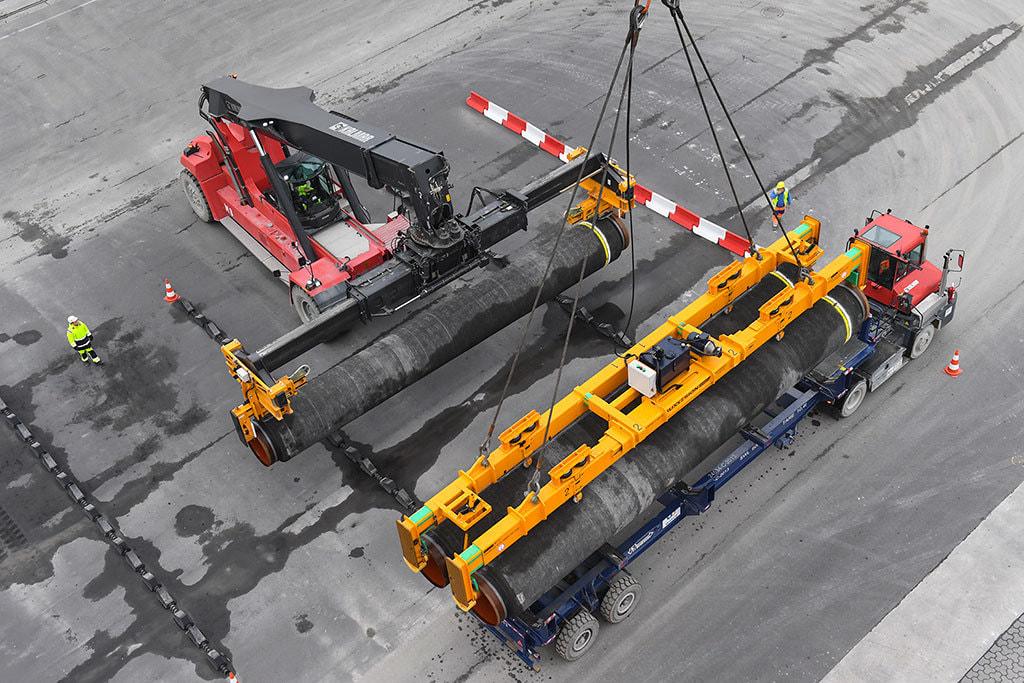 """Германия защищает """"Северный поток-2"""" от Еврокомиссии"""
