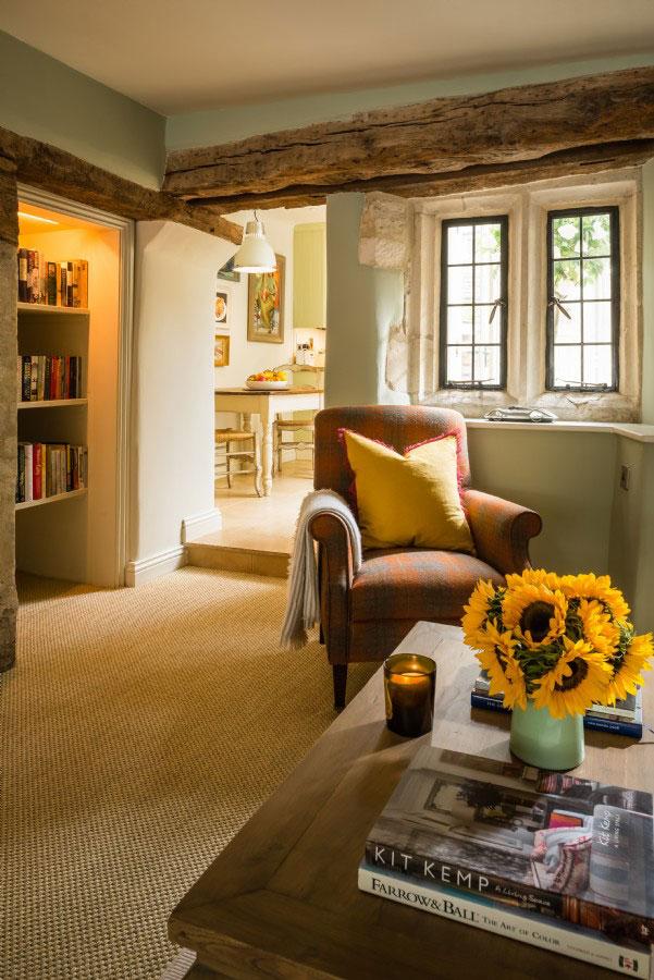 Старая сказка  — уютный коттедж с традиционным английским интерьером