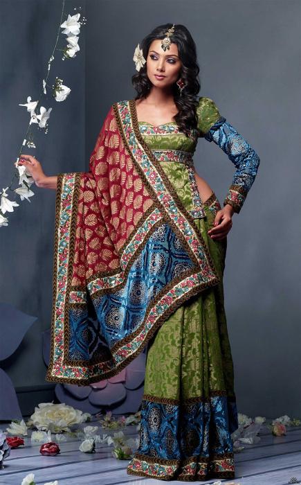 Обычно одевание сари занимает меньше одной минуты