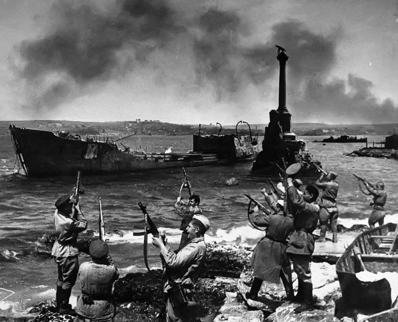 9 мая 1944 г. - день окончательного освобождения Севастополя от фашистов