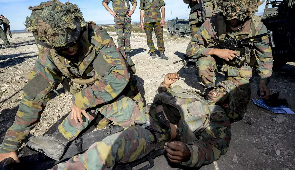 В Донбассе с удовольствием примут войска НАТО. Примут и закопают