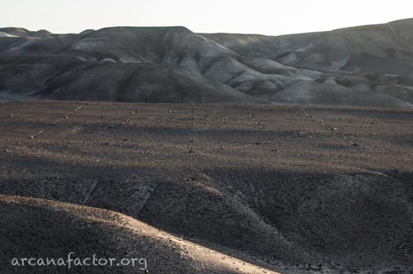 ''Эстрелла'' и другие геометрические загадки плато Наска