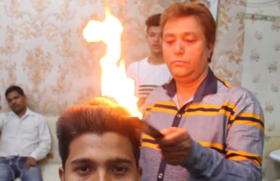 Парикмахеры перестают стричь — начинают жечь волосы