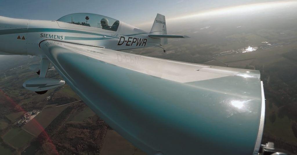 Прототип электрического самолета Extra 330LE от Siemens установил новый мировой рекорд скорости