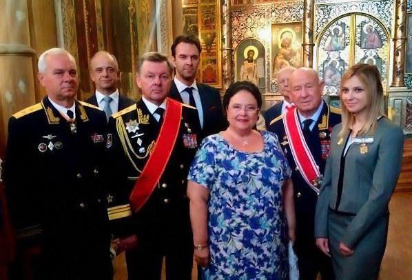 В Кремле готовятся к коронации вместо выборов !?