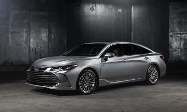Toyota Avalon вышла в новом поколении