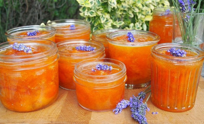 Конфитюр из абрикосов с нотками лаванды