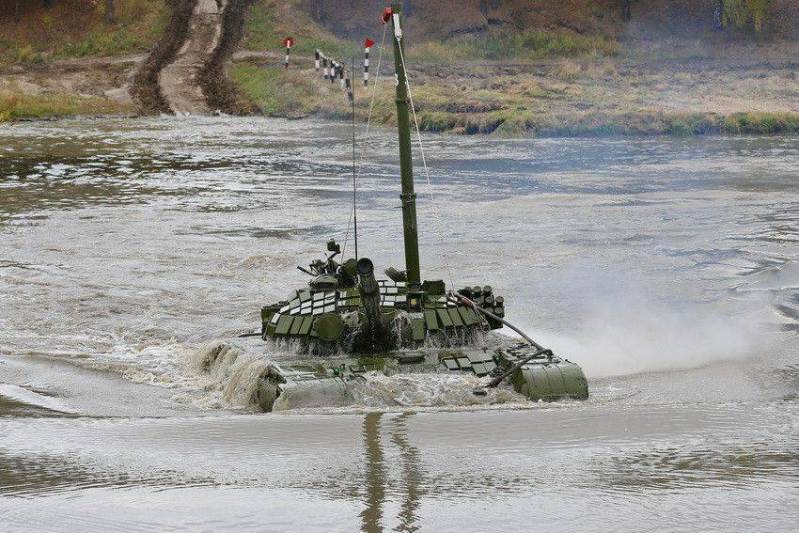 Танкисты ЮВО провели подводное вождение