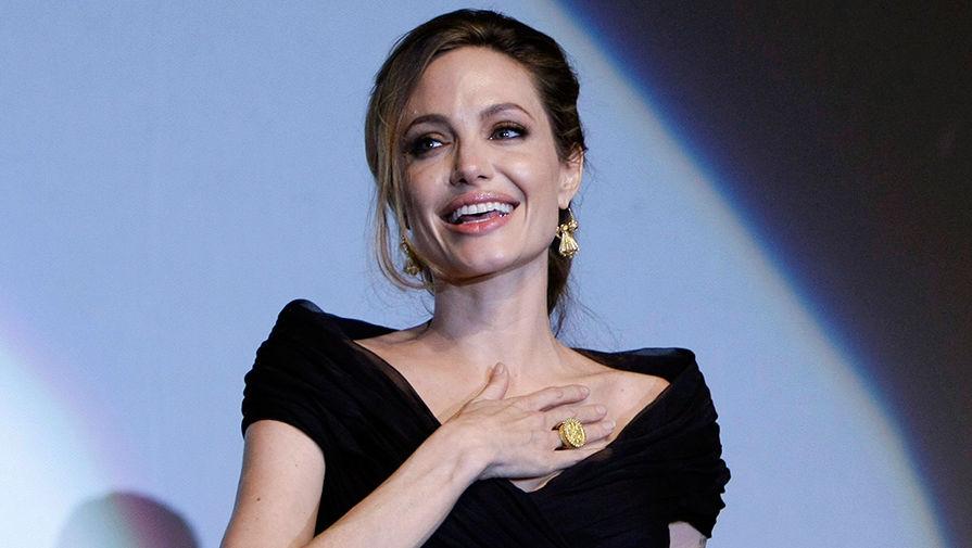 Весь мир обсуждает сенсационное заявление Анджелины Джоли об интимном воспитании детей