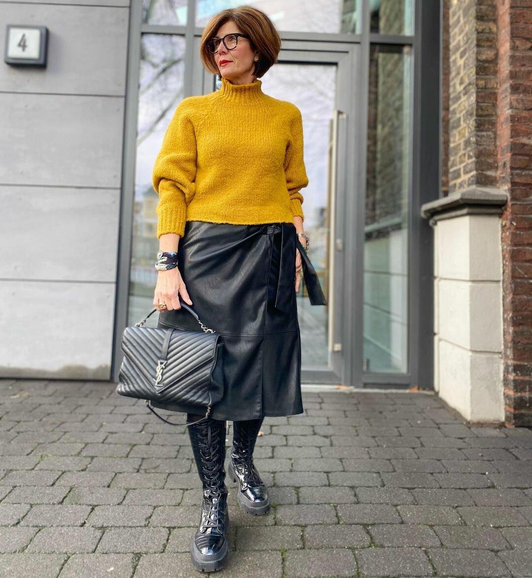 @ich_bins_griseldis / Яркий свитер делает образ необычным. /Фото: instagram.com