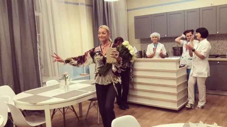 https://russianshowbiz.info/images/Anastasiya-Volochkova-inst.jpg