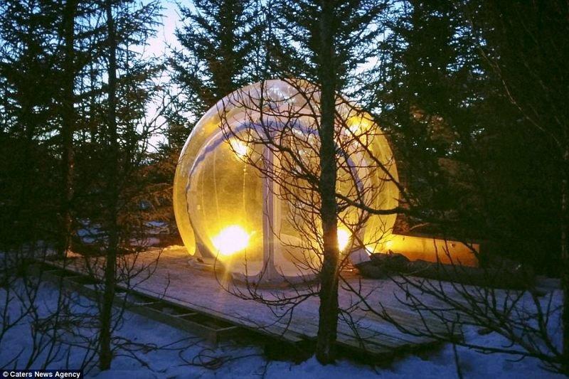 Отель с номерами-пузырьками в Исландии