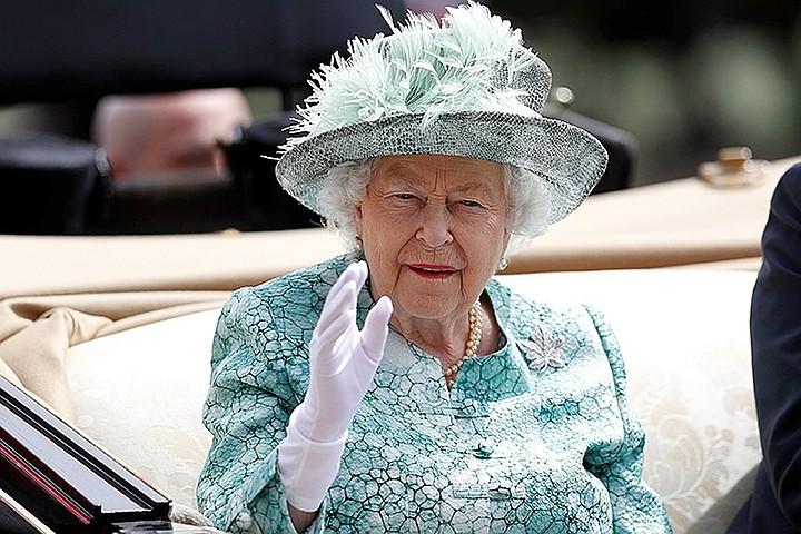 Личный врач королевы Елизаветы II погиб под колесами грузовика