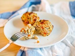 Низкокалорийные овощные маффины с курицей