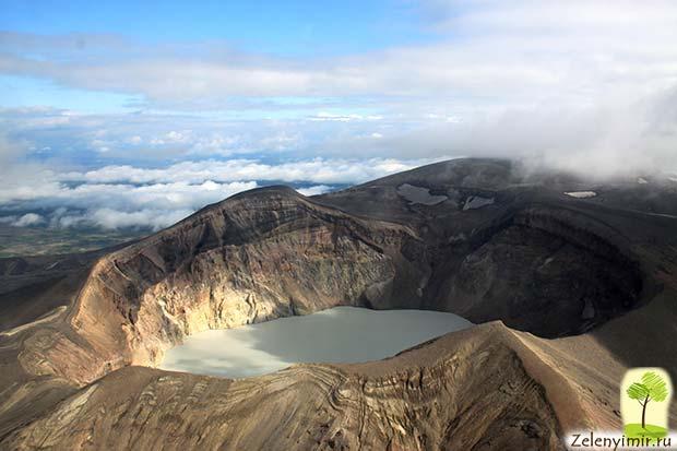 Устрашающий вулкан Малый Семячик с кислотным озером. Камчатка, Россия - 3