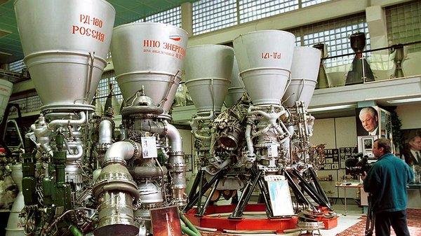 США боятся жёсткого ответа на санкции и срочно покупают двигатели РД-180, Россия пока думает