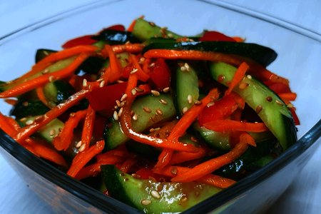 Фото к рецепту: Хрустящие огурчики по-корейски