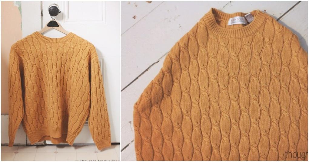 Необычное применение старого свитера для создания уюта в доме