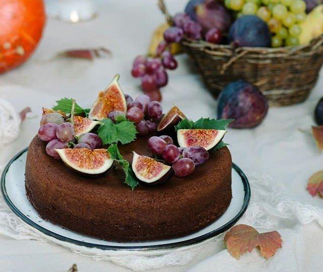 Рецепты для мультиварки: шоколадный пирог с творожной начинкой