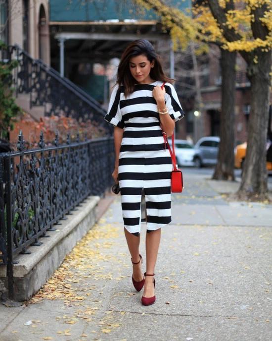 С чем носить и сочетать платье в черную полоску: 20 великолепных образов