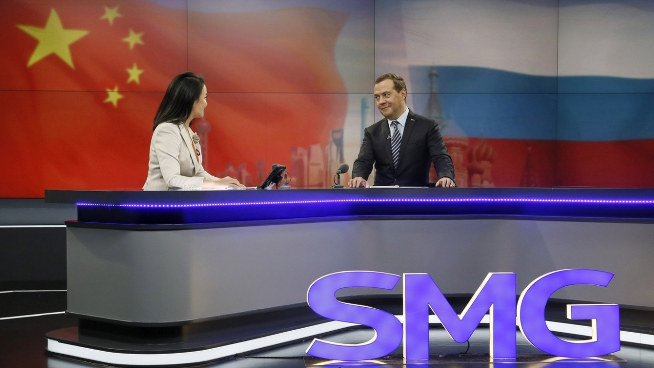 Медведев считает, что слишкомвысокиецены нефти невыгодны для экономики РФ