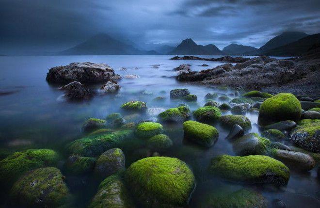 Чарующее озеро на острове Скай