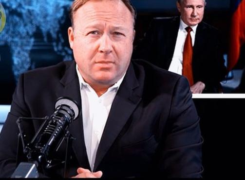 Известный телеведущий США Алекс Джонс рассказал, что Америке лучше прислушаться к словам Путина