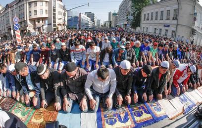 Мусульмане отмечают Ураза-Байрам
