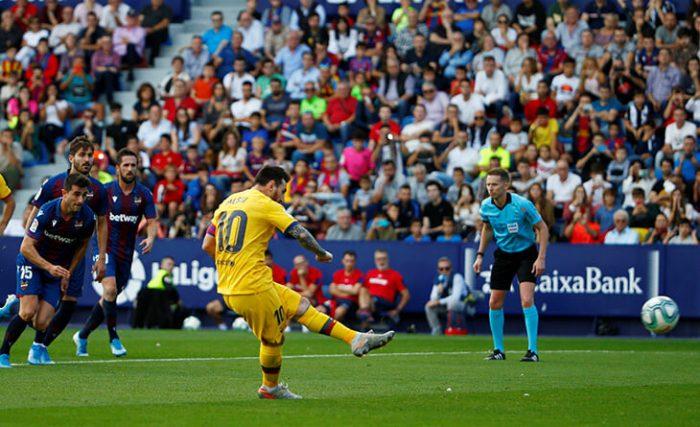 Футбол Испании: Месси забил свой 500-й гол левой ногой