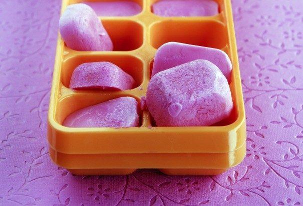 Способы использования форм для льда в морозилке, хранение, рецепты