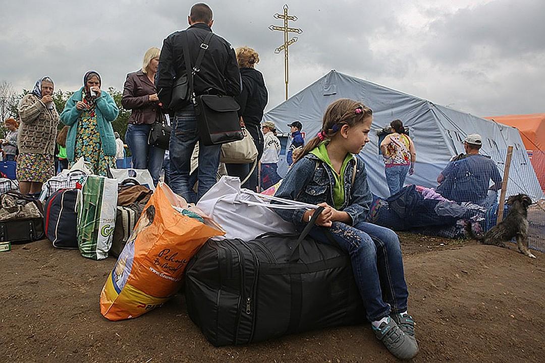 С начала войны на Донбассе 2,5 миллиона человек переехали в Россию из зоны боевых действий. Фото: Николай ХИЖНЯК