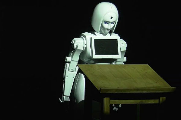 В израильском спектакле российский робот сыграет Жанну д'Арк