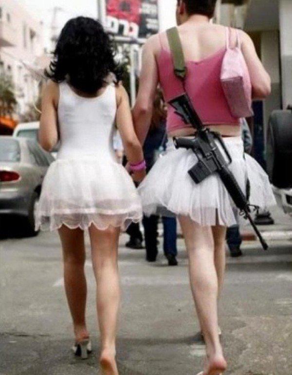 фото трансвеститов в одежде на улицах больше девушек женщин