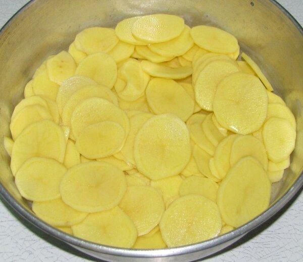 Прикладывайте к поражённым участкам срез картофеля