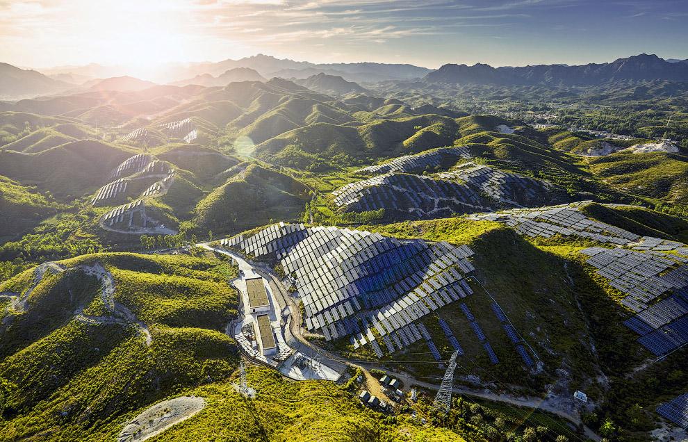 Солнечные панели на южных склонах Китая