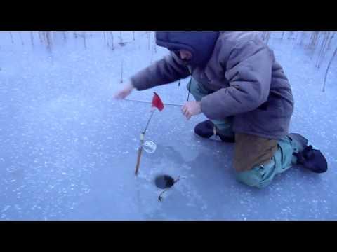 Щука 6кг, лед 2-3-4см, январь 2012г, Торфяники