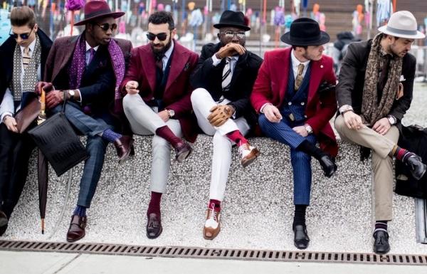 Как изменялись носки, кто первым надел очки от солнца и другие занимательные факты из истории моды