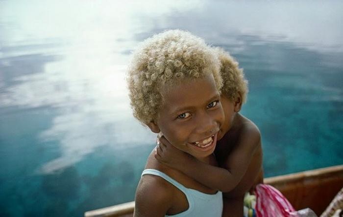 Темнокожие блондины из Меланезии - загадка, над которой бьются генетики и калаши - пакистанский народ со славянской внешностью