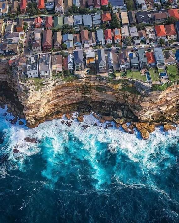 Сдается домик у моря. До воды всего 100 метров.