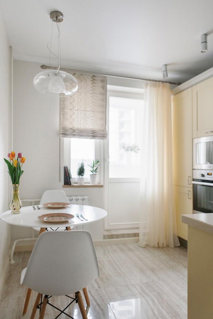 Римская штора и тюль в кухне