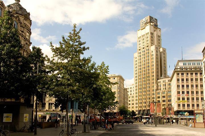 Башня Буренторен (KBC) в Антверпене